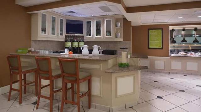 gi breakfast1 21 698x390 fittoboxsmalldimension center gi breakfast2 20 698x390 fittoboxsmalldimension center - Hilton Garden Inn Knoxville